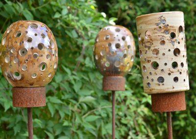 Gartenlichter auf Eisenstab, mit Manganoxid gefärbt