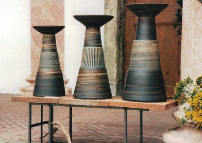 Bodenvasen, mit Eisen- und Manganoxid gefärbt