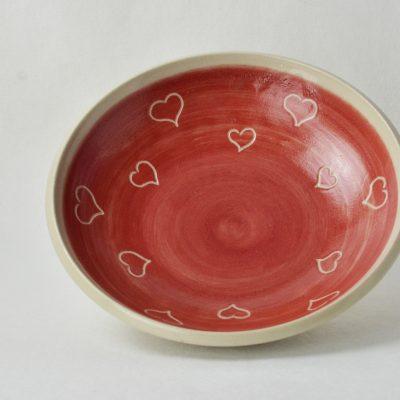 Katzenschälchen rot/natur, mit Herzerldekor