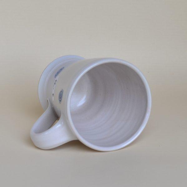 Tasse weiß-blau mit Kringel