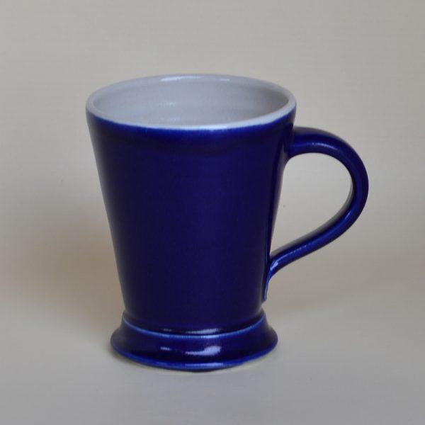 Kaffeehaferl, dunkelblau, innen weiß