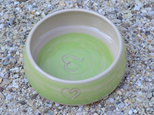 Fressnapf , Ø 15,5 cm, grün mit Herzerl