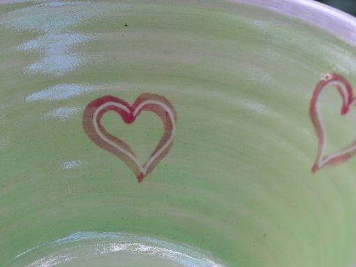 Weitling grün, Ø 22,2 cm, mit rot unterlegten Herzerl