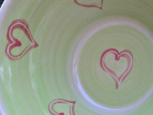 Weitling grün, Ø 22 cm, mit rot unterlegten Herzerl